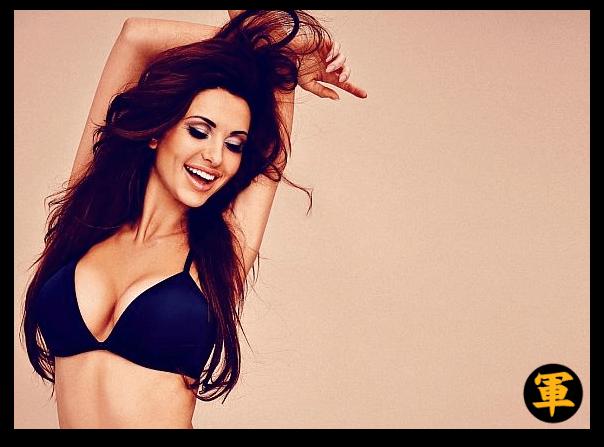 Luscious lady in a bikini!